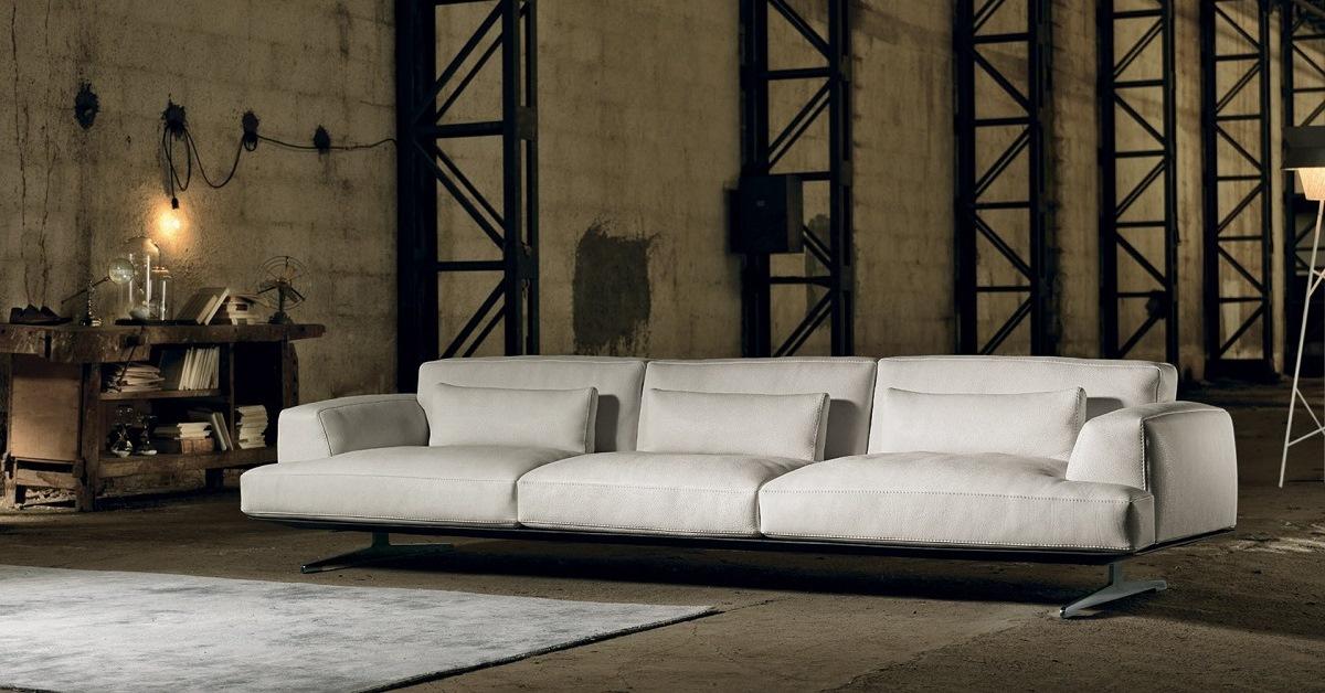 Mobili napoli arredamenti tolomello interior design - Regalo divano napoli ...